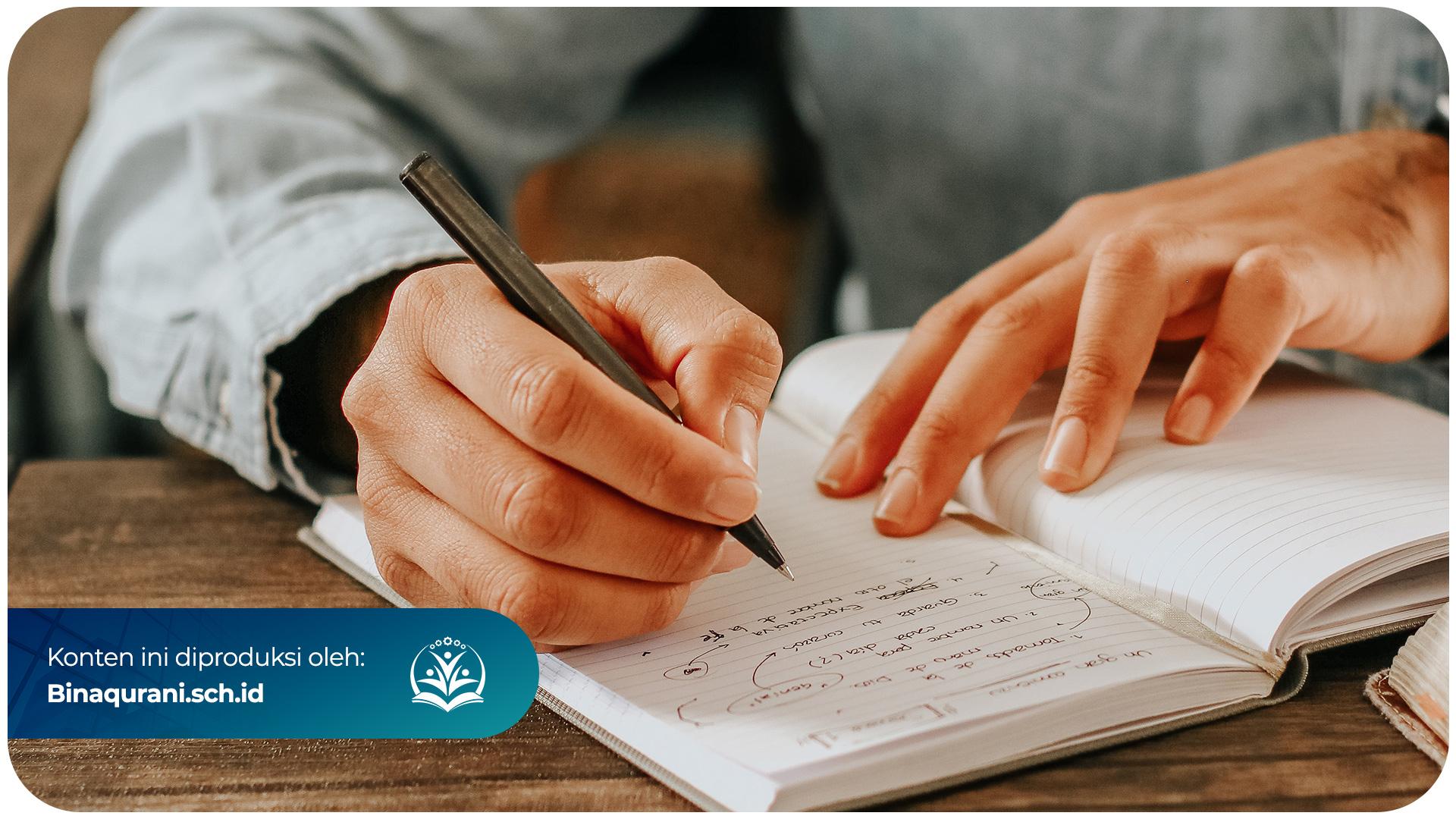Thumbnail-Bina-Qurani-Cara-Menjadi-Penulis-Pemula-Yang-Menghasilkan-Uang