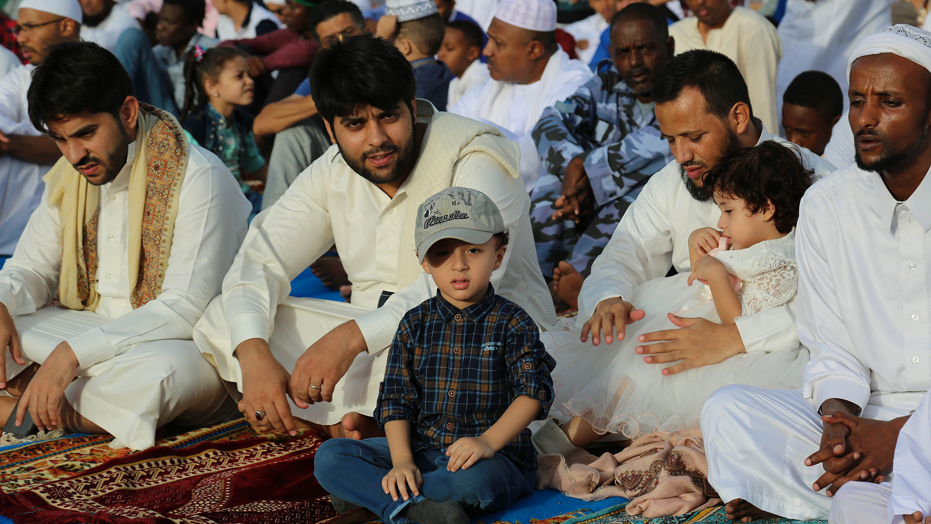 Bina-Qurani-Pentingnya-dan-keutamaan-Menghormati-Orang-Tua-selama-hidup-di-dunia