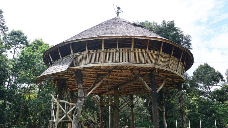 Bina-Qurani-Rumah-Adat-Kalimantan-Barat-