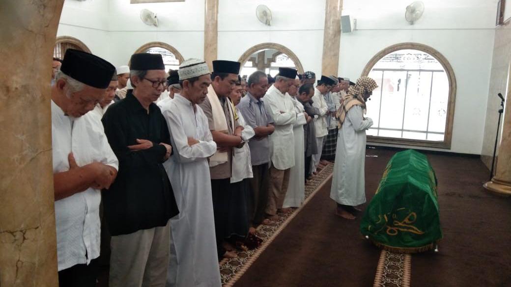 Bina-Qurani-Cara-Sholat-Jenazah